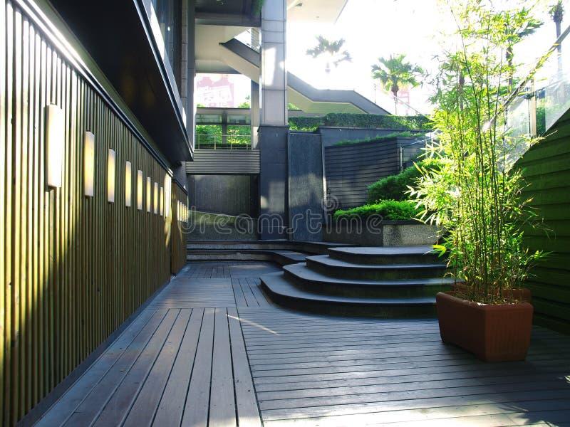 двор вне ресторана стоковая фотография rf