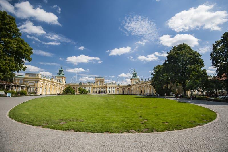 Двор дворца Wilanow в Варшаве стоковые изображения rf