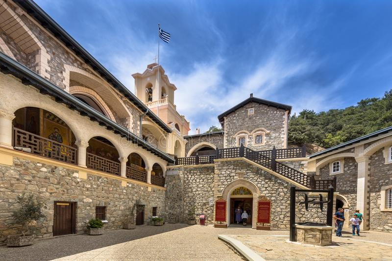 Двор в известном монастыре Kykkos стоковые изображения rf