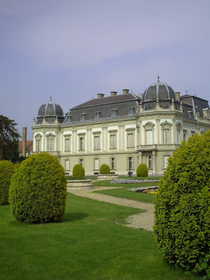 Двор дворца Festetics Большой комплекс зданий семьи Festetics, большинств популярного места интереса который стоковое изображение rf