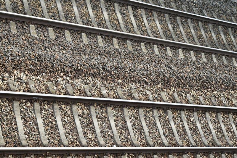 Двухгусеничный железнодорожный путь стоковые изображения