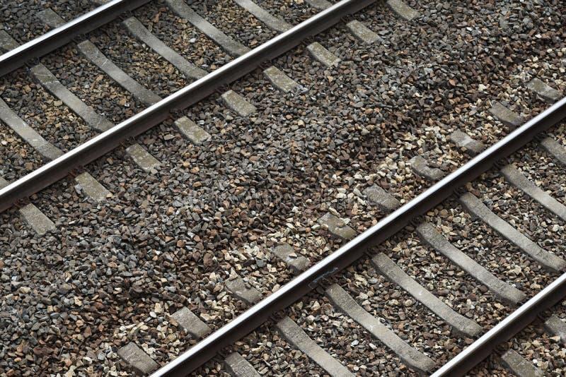 Двухгусеничный железнодорожный путь стоковые фото