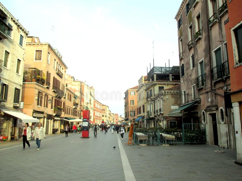 Двухлетняя торговая улица Венеции 2017Old Ca Coppo в Венеции Италии Европе стоковые фотографии rf