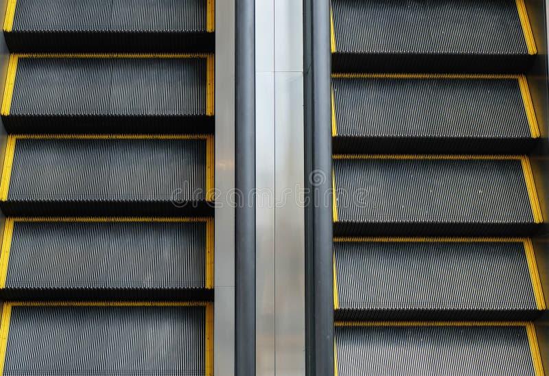 Двухсторонний эскалатор стоковые фото
