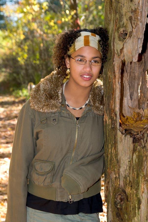 девушка афроамериканца предназначенная для подростков стоковое изображение