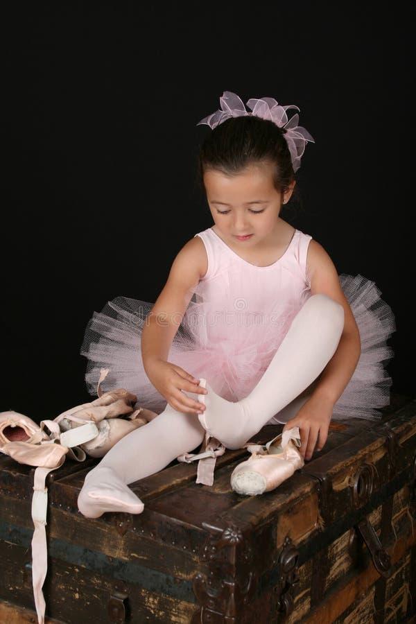 девушка брюнет балета стоковые изображения rf