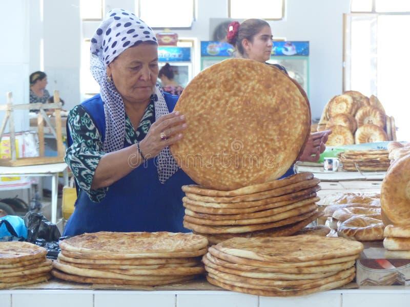 воздушной хлеб на базаре в узбекистане фото самые интересные