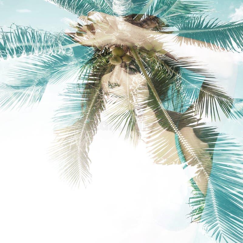 Девушка в двойной экспозиции флюидов лета бассейна стоковая фотография rf