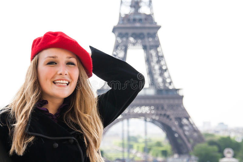 Девушка в красном шлеме в Париж стоковое изображение rf