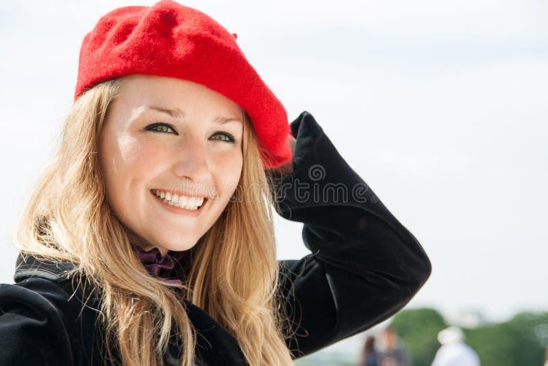 Девушка в красном шлеме стоковые фотографии rf
