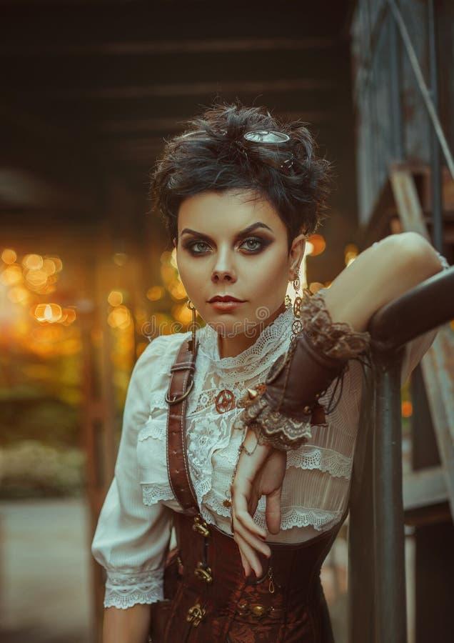 Девушка в стиле steampunk стоковые фотографии rf