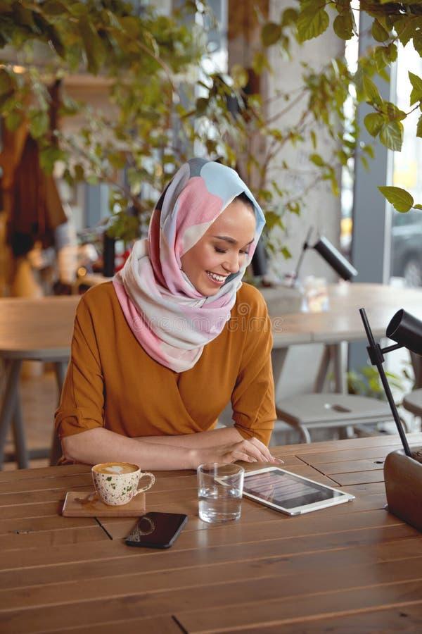 работа для девушки в хиджабе