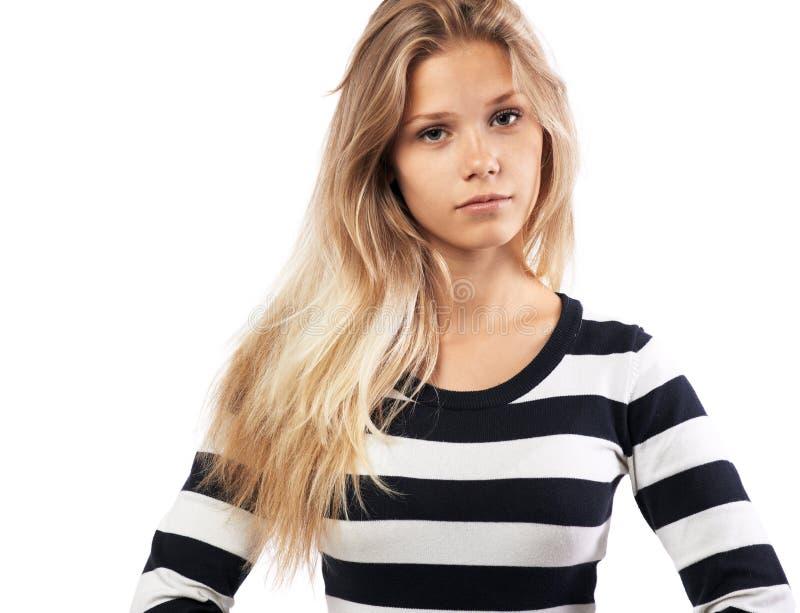 Девушка в striped утомлянном свитере стоковая фотография rf