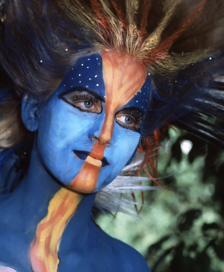 Download девушка голубых глазов стоковое фото. изображение насчитывающей косметики - 6868050