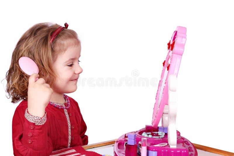 Download девушка гребня немногая стоковое фото. изображение насчитывающей дочь - 18385168