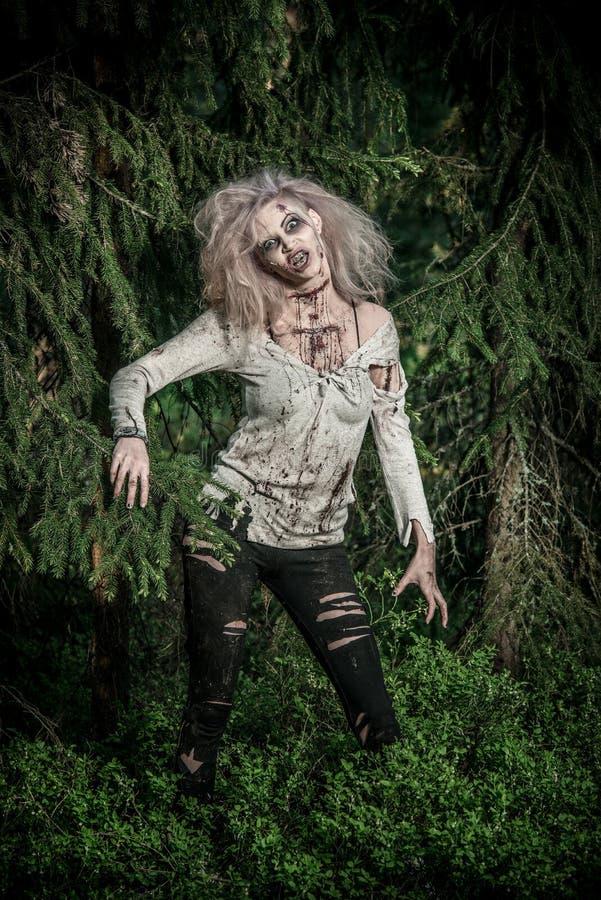 Девушка зомби нежитей стоковое изображение rf