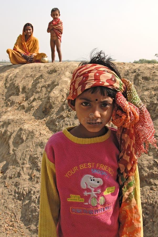 Download девушка Индия ребенка редакционное изображение. изображение насчитывающей молодость - 18375345