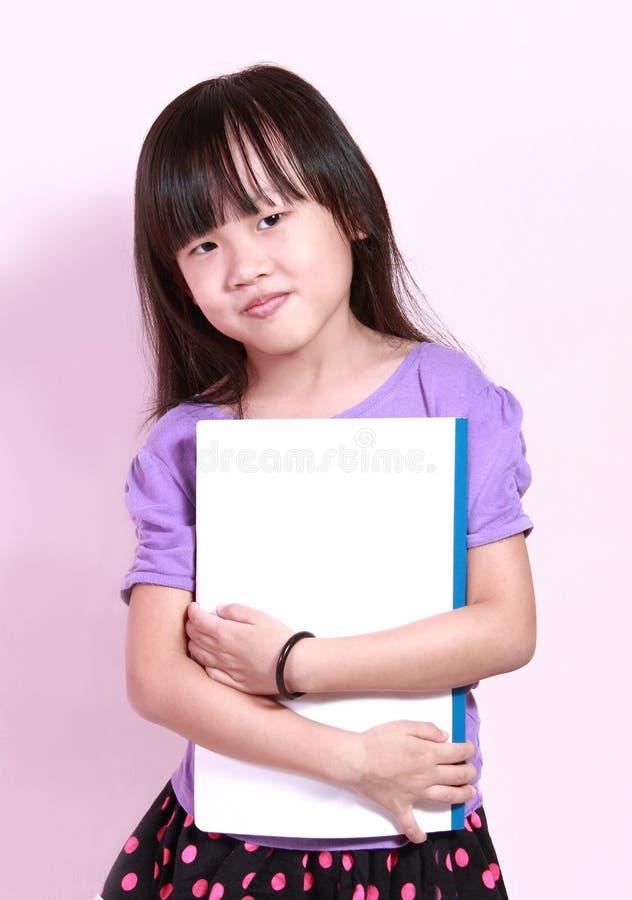 Девушка и книга стоковые фотографии rf