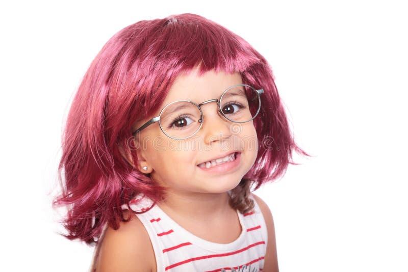 Download Девушка и парик стоковое изображение. изображение насчитывающей мило - 33738187