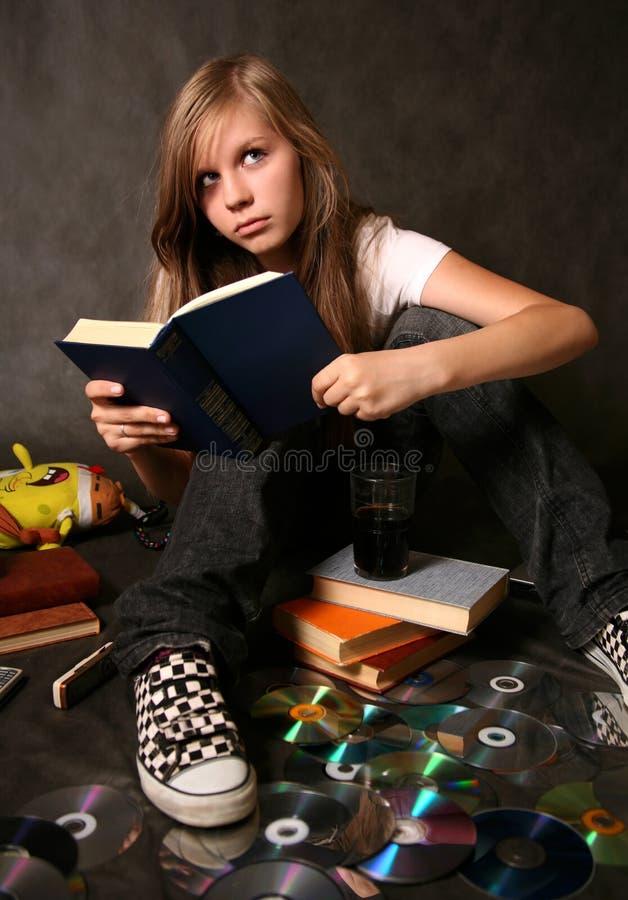 девушка книги стоковое фото