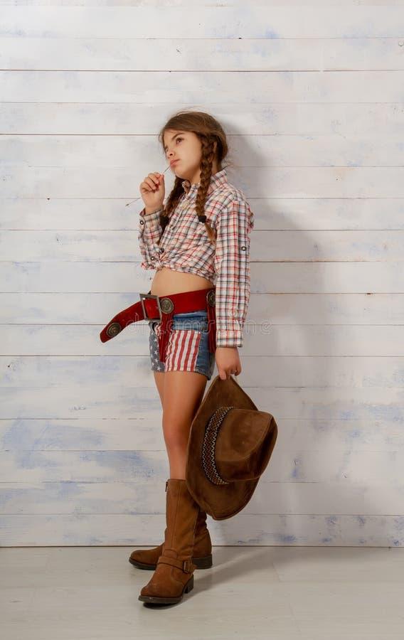 девушка ковбоя немногая стоковые изображения rf