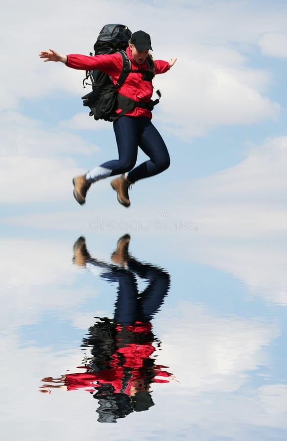 девушка летания стоковое фото