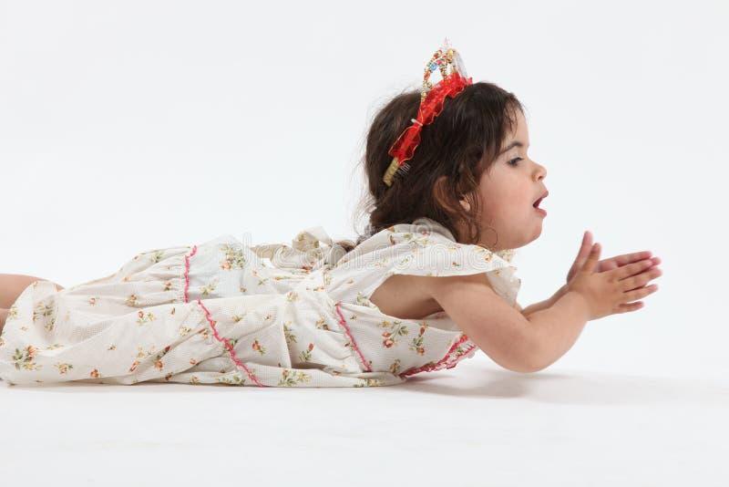 девушка меньшяя тиара стоковые фотографии rf