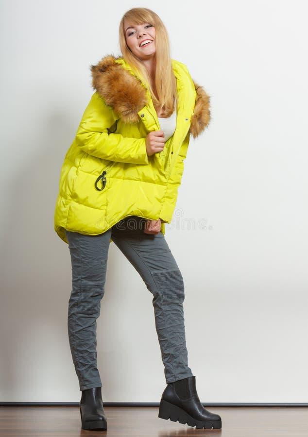 Девушка моды в куртке стоковое фото rf