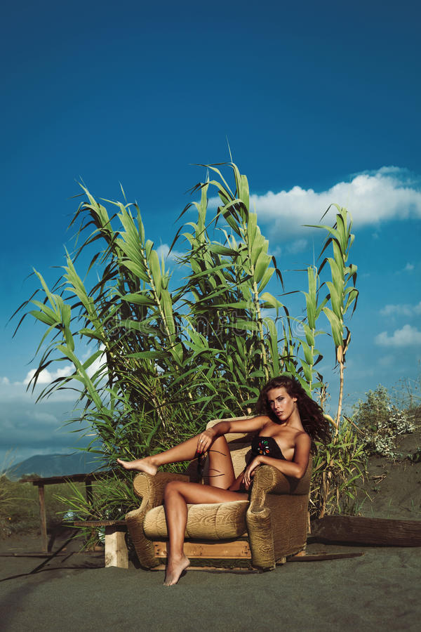 Девушка моды лета стоковое фото