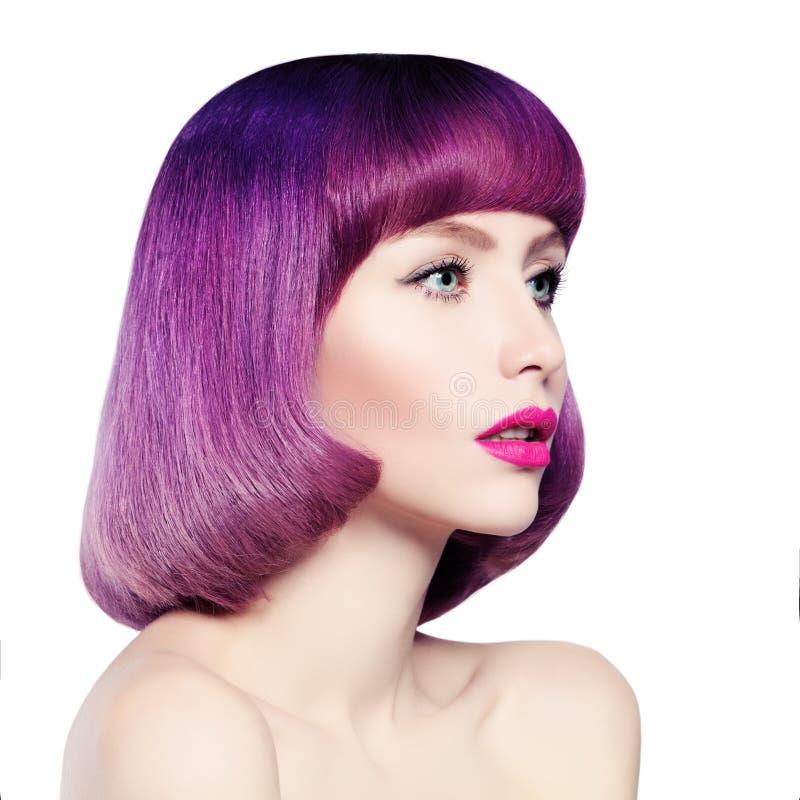 Девушка моды с покрашенными волосами стоковое фото rf