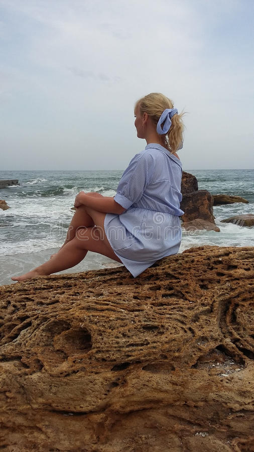 Фото пляж блондинки