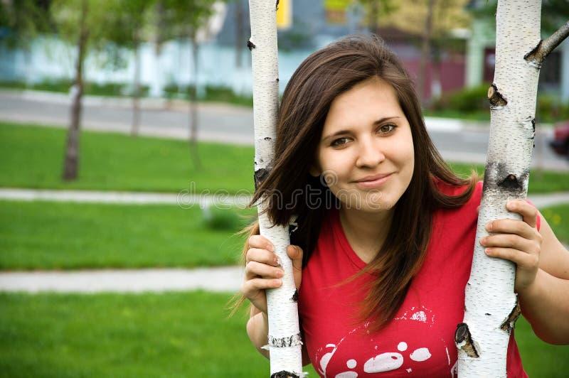 девушка около предназначенного для подростков вала стоковые изображения