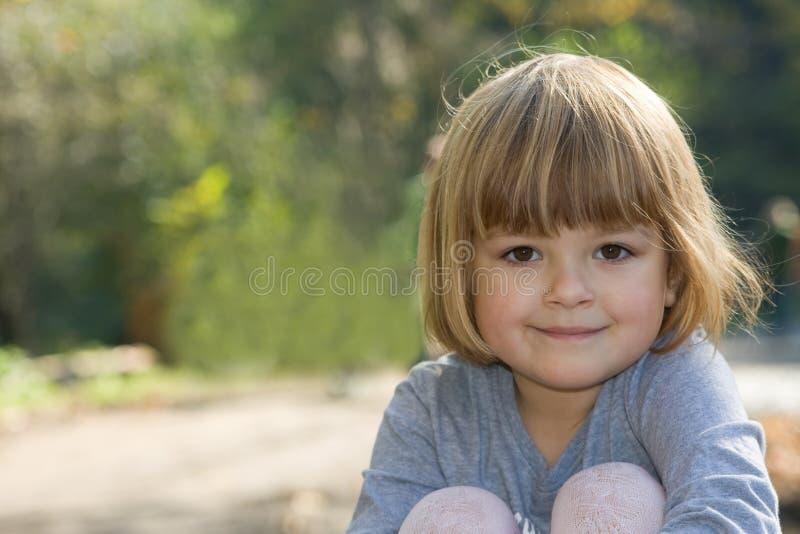 девушка осени стоковые изображения rf