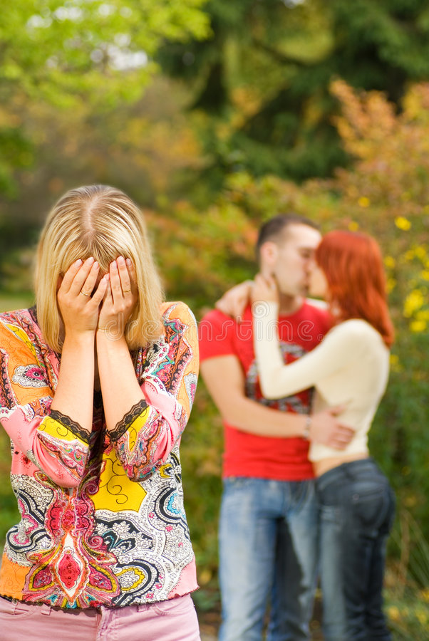 девушка пар плача стоковое изображение rf