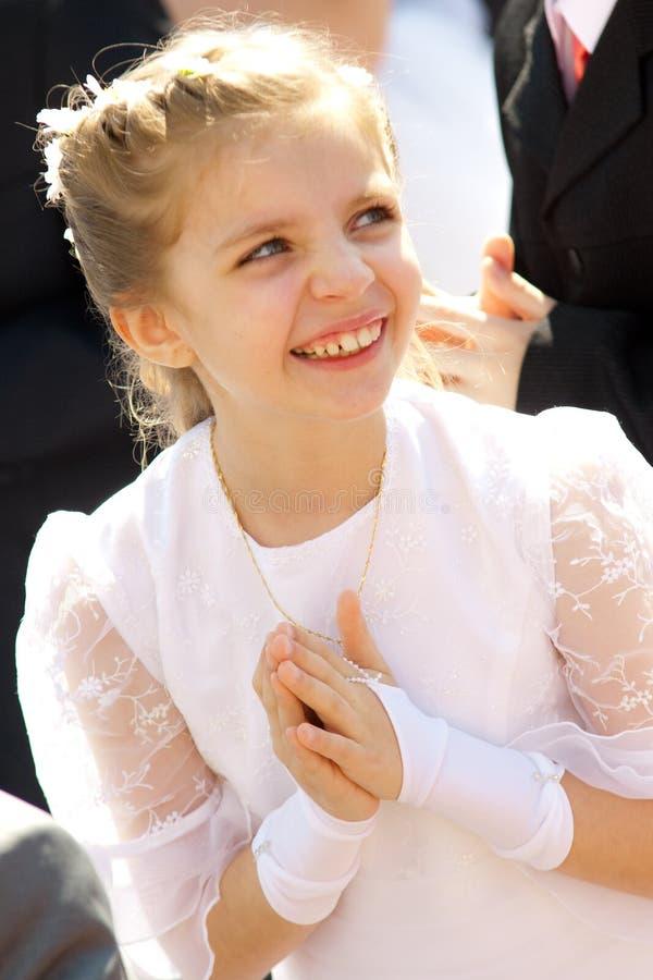 девушка платья общности счастливая стоковое изображение rf