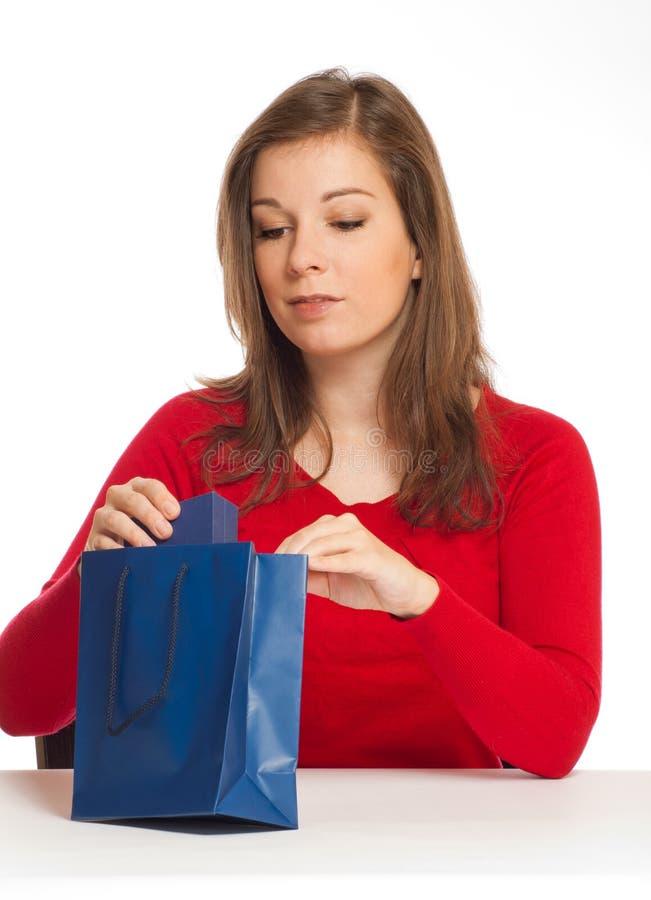 девушка подарка стоковые изображения rf
