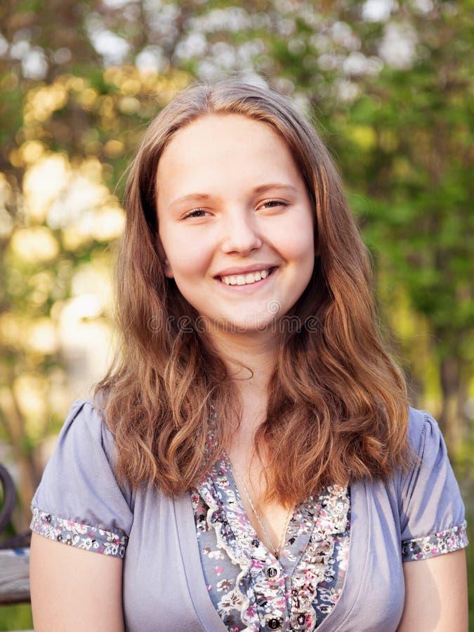 Девушка подростка портрета молодая стоковое изображение rf