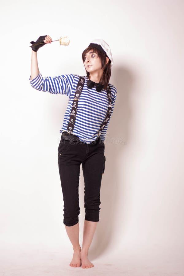 Девушка представляя, в составе, пантомиму стоковое изображение