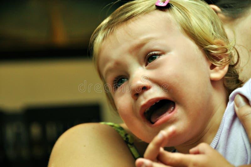 девушка ребенка плача стоковые изображения rf