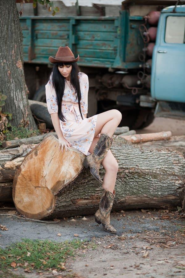 Девушка страны стоковая фотография rf
