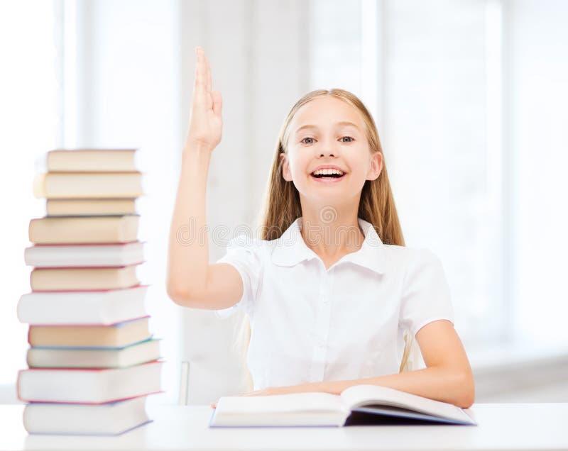 Девушка студента изучая на школе стоковые фотографии rf