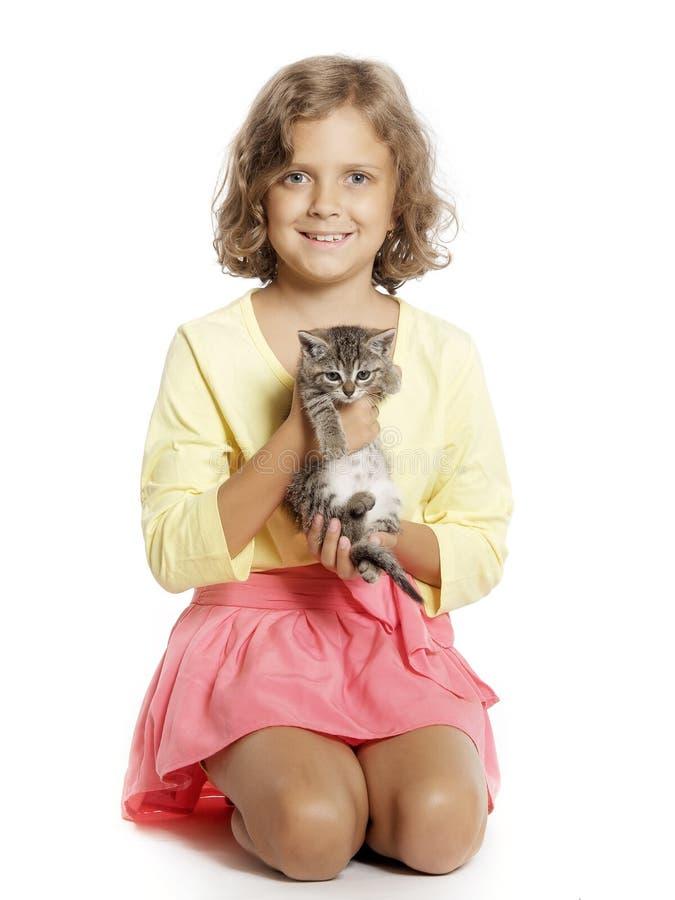 Девушка с котенком стоковая фотография rf