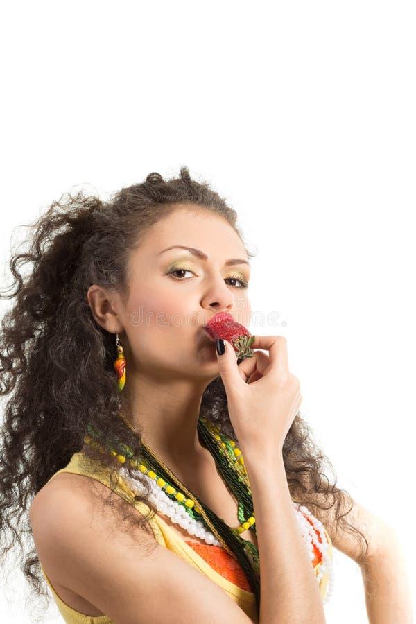 Девушка с клубниками стоковая фотография rf