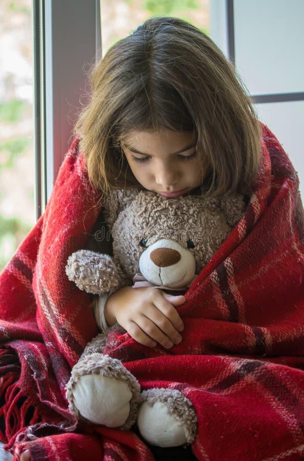 Девушка с медведем стоковая фотография rf