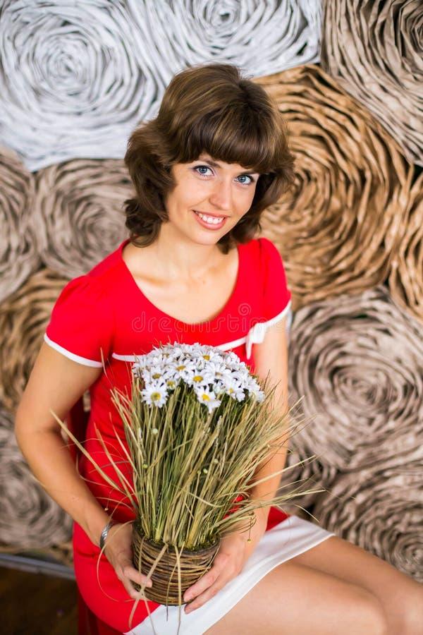 Девушка с стоцветом стоковая фотография