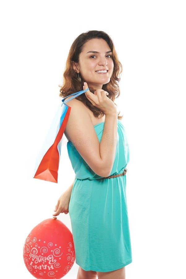 Девушка с сумкой и воздушным шаром стоковые изображения rf