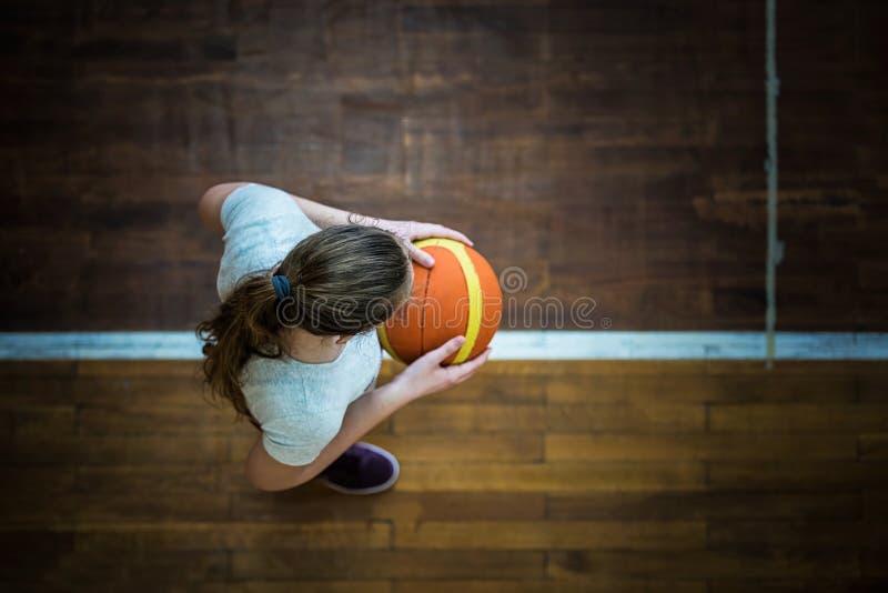 Девушка с шариком стоковые фотографии rf
