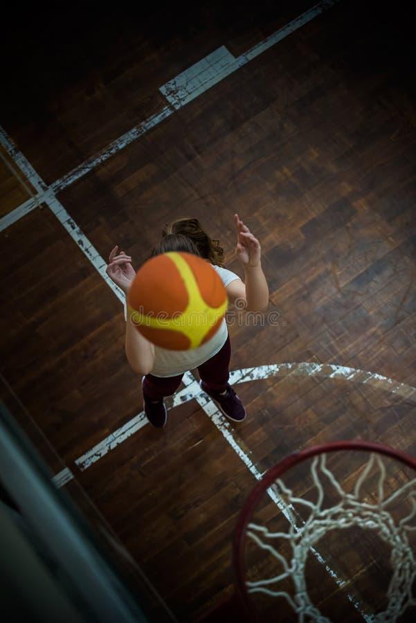 Девушка с шариком стоковые изображения