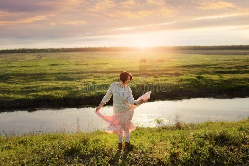 Девушка танцев стоковая фотография rf