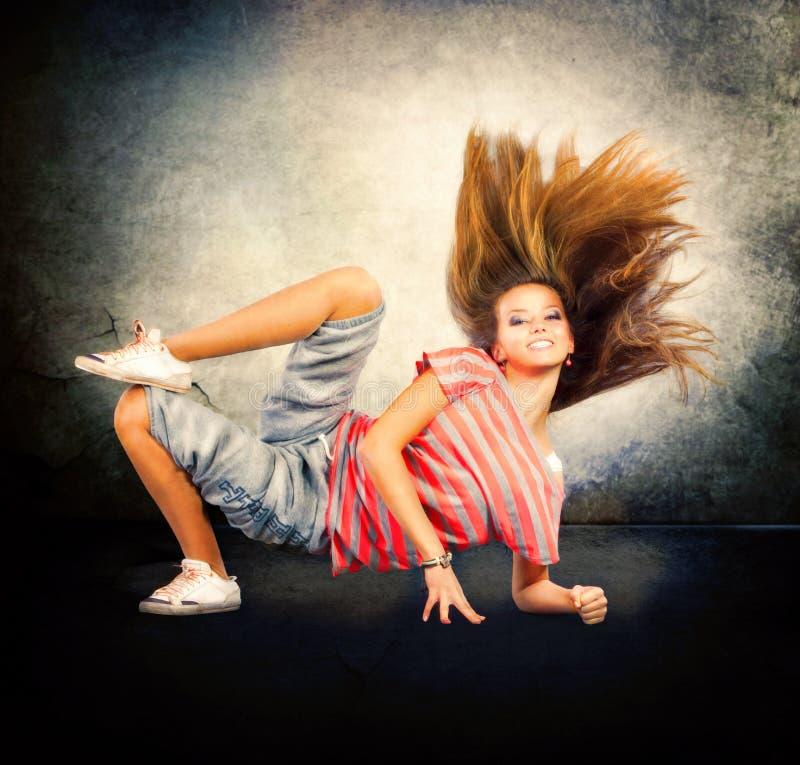 Девушка танцы Hip-Hop стоковое фото rf